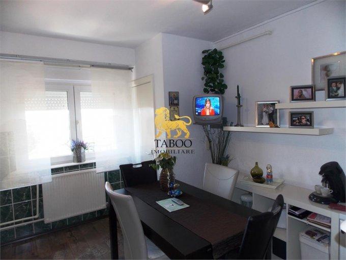 Apartament vanzare Sibiu 3 camere, suprafata utila 88 mp, 2 grupuri sanitare. 65.000 euro. Etajul 7 / 8. Apartament Terezian Sibiu