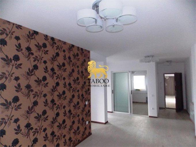 Apartament de vanzare in Sibiu cu 3 camere, cu 2 grupuri sanitare, suprafata utila 66 mp. Pret: 43.500 euro.