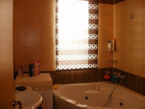 Apartament vanzare Sibiu 3 camere, suprafata utila 72 mp, 2 grupuri sanitare, 1  balcon. 67.000 euro. Etajul 4 / 5. Destinatie: Rezidenta, Birou, Vacanta. Apartament Strand Sibiu