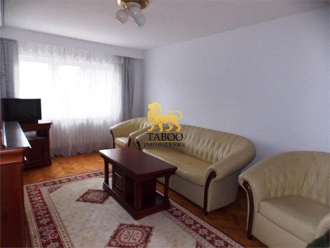 Apartament de inchiriat in Sibiu cu 3 camere, cu 2 grupuri sanitare, suprafata utila 74 mp. Pret: 370 euro.
