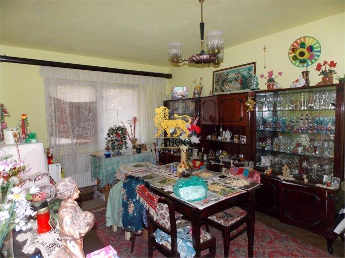vanzare Apartament Sibiu cu 3 camere, cu 1 grup sanitar, suprafata utila 56 mp. Pret: 49.800 euro.