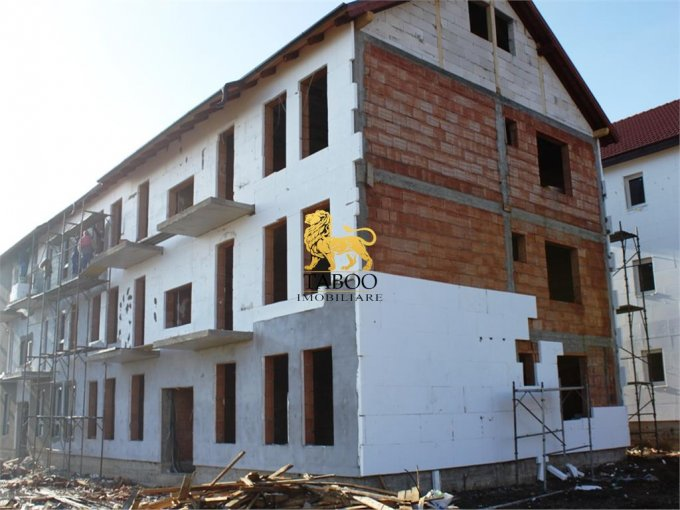 Apartament de vanzare in Sibiu cu 3 camere, cu 2 grupuri sanitare, suprafata utila 75 mp. Pret: 39.800 euro.