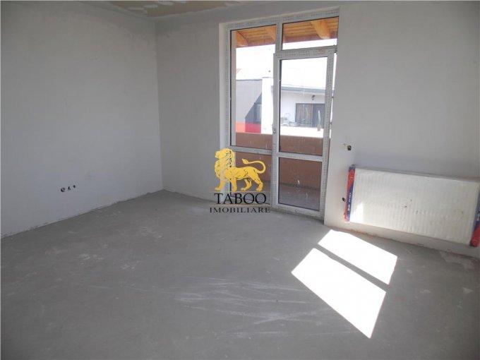Apartament de vanzare direct de la agentie imobiliara, in Sibiu, in zona Calea Cisnadiei, cu 41.000 euro. 2 grupuri sanitare, suprafata utila 61 mp.