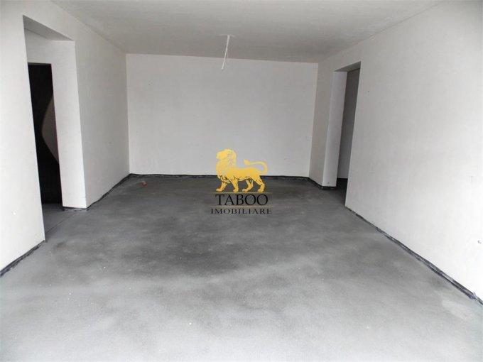 vanzare Apartament Sibiu cu 3 camere, cu 2 grupuri sanitare, suprafata utila 83 mp. Pret: 51.000 euro.