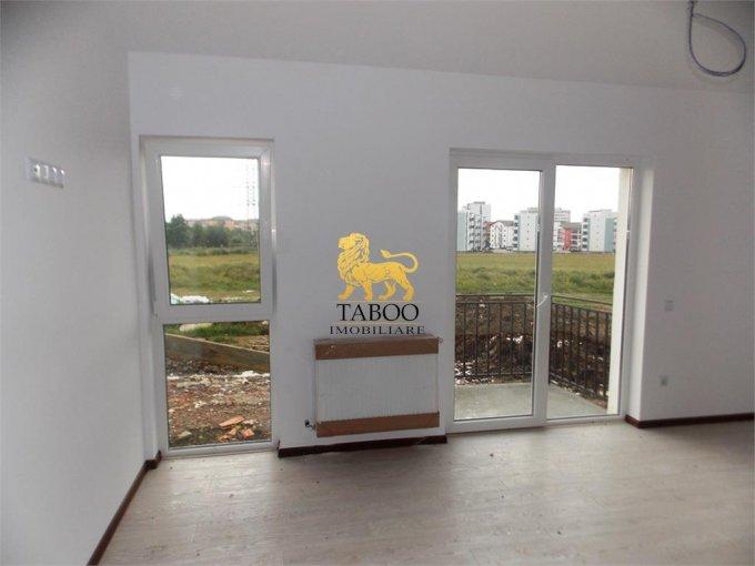 vanzare Apartament Sibiu cu 3 camere, cu 1 grup sanitar, suprafata utila 66 mp. Pret: 50.000 euro.