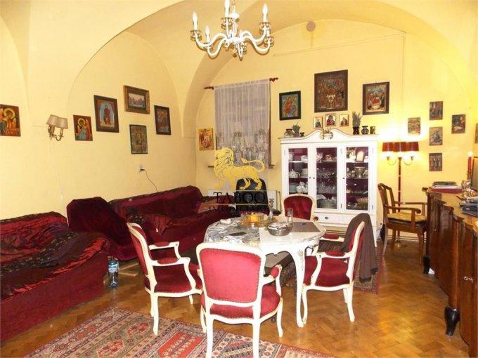 Apartament de vanzare in Sibiu cu 3 camere, cu 1 grup sanitar, suprafata utila 130 mp. Pret: 152.000 euro.