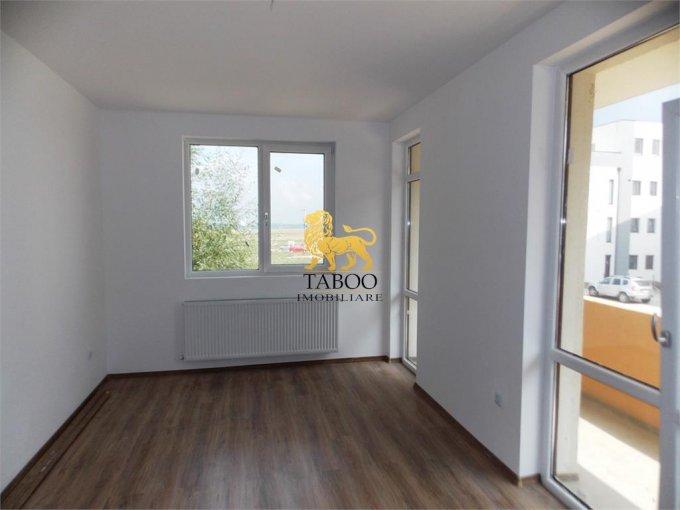 Apartament de vanzare in Sibiu cu 3 camere, cu 2 grupuri sanitare, suprafata utila 63 mp. Pret: 65.000 euro.