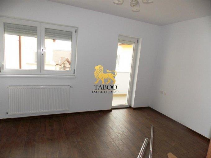 vanzare Apartament Sibiu cu 3 camere, cu 2 grupuri sanitare, suprafata utila 78 mp. Pret: 55.000 euro.