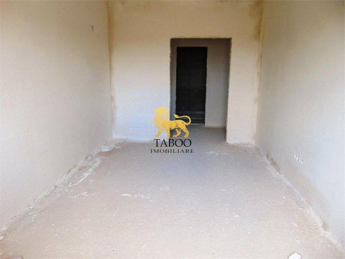 vanzare Apartament Sibiu cu 3 camere, cu 1 grup sanitar, suprafata utila 59 mp. Pret: 36.500 euro.