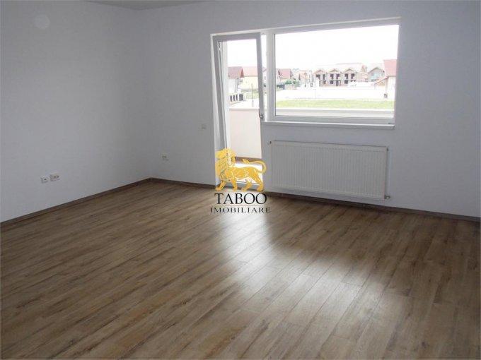 Apartament de vanzare direct de la agentie imobiliara, in Sibiu, in zona Selimbar, cu 60.000 euro. 2 grupuri sanitare, suprafata utila 80 mp.