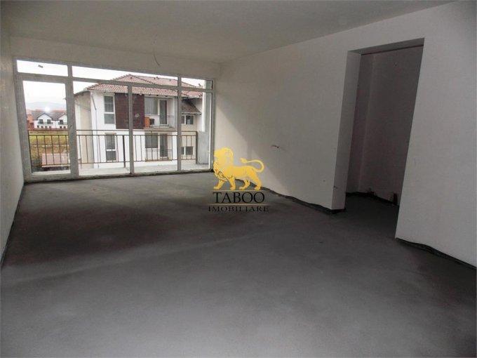 Apartament de vanzare in Sibiu cu 3 camere, cu 2 grupuri sanitare, suprafata utila 84 mp. Pret: 51.000 euro.