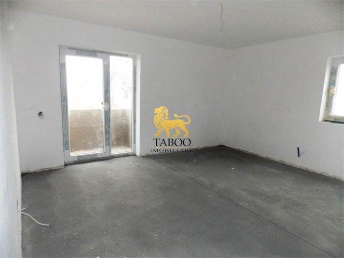 vanzare Apartament Sibiu cu 3 camere, cu 2 grupuri sanitare, suprafata utila 75 mp. Pret: 46.000 euro.