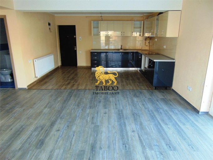 Apartament de vanzare in Cisnadie cu 3 camere, cu 2 grupuri sanitare, suprafata utila 80 mp. Pret: 44.500 euro.