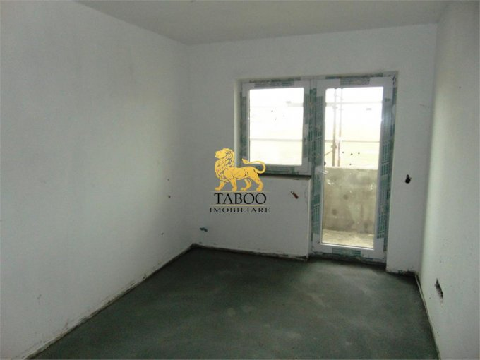 Apartament vanzare Sibiu 3 camere, suprafata utila 75 mp, 2 grupuri sanitare. 46.000 euro. Etajul 2 / 2. Apartament Calea Cisnadiei Sibiu