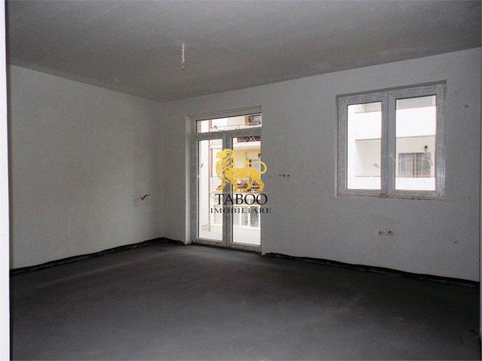 vanzare Apartament Sibiu cu 3 camere, cu 1 grup sanitar, suprafata utila 55 mp. Pret: 33.500 euro.