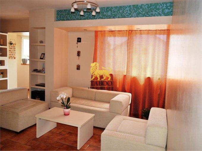vanzare Apartament Sibiu cu 3 camere, cu 1 grup sanitar, suprafata utila 90 mp. Pret: 105.000 euro.