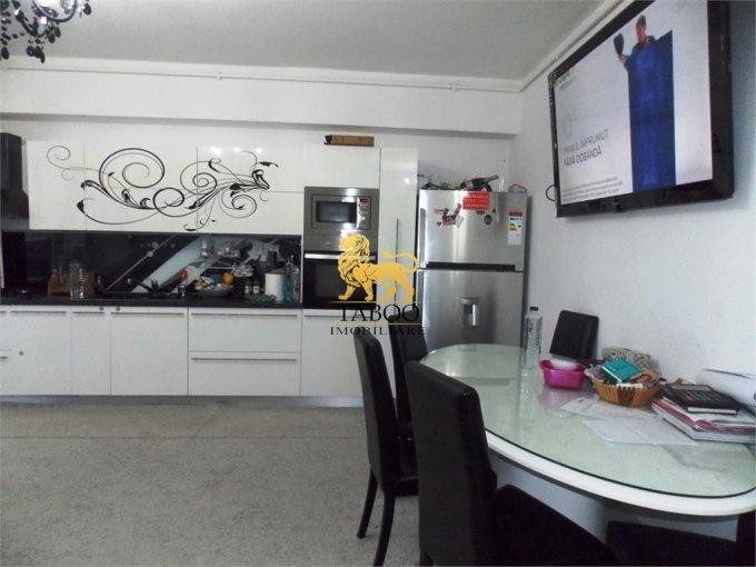 Apartament vanzare Sibiu 3 camere, suprafata utila 96 mp, 1 grup sanitar. 68.500 euro. Etajul 5 / 10. Apartament Selimbar Sibiu