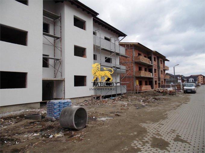 Apartament de vanzare in Sibiu cu 3 camere, cu 1 grup sanitar, suprafata utila 60 mp. Pret: 36.500 euro.