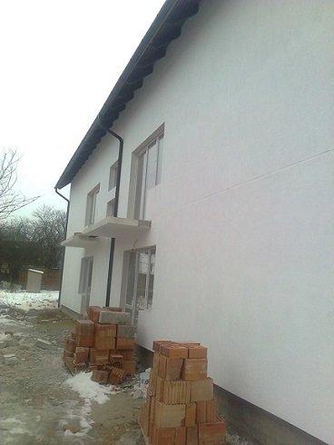 Apartament vanzare Sibiu 3 camere, suprafata utila 66 mp, 1 grup sanitar, 2  balcoane. 36.000 euro. Etajul 2. Apartament Terezian Sibiu