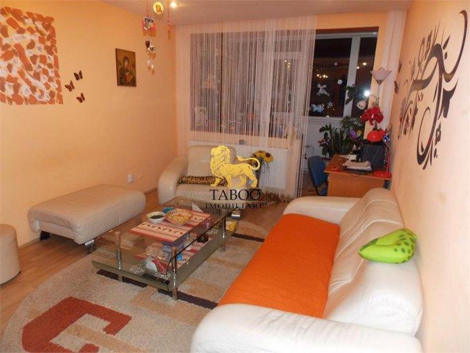 Apartament de vanzare in Sibiu cu 3 camere, cu 2 grupuri sanitare, suprafata utila 68 mp. Pret: 59.900 euro.