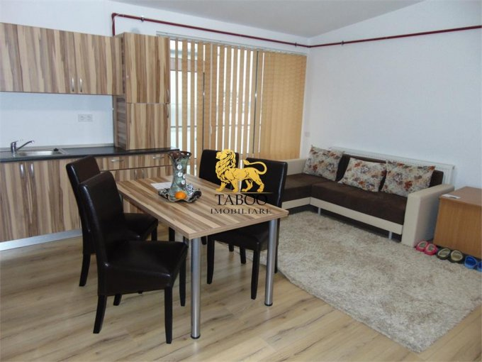Apartament inchiriere Sibiu 3 camere, suprafata utila 68 mp, 1 grup sanitar. 250 euro. Etajul 2 / 2. Apartament Calea Cisnadiei Sibiu