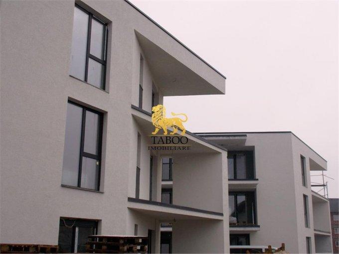 Apartament vanzare Selimbar cu 3 camere, etajul 1 / 2, 2 grupuri sanitare, cu suprafata de 80 mp. Sibiu, zona Selimbar.