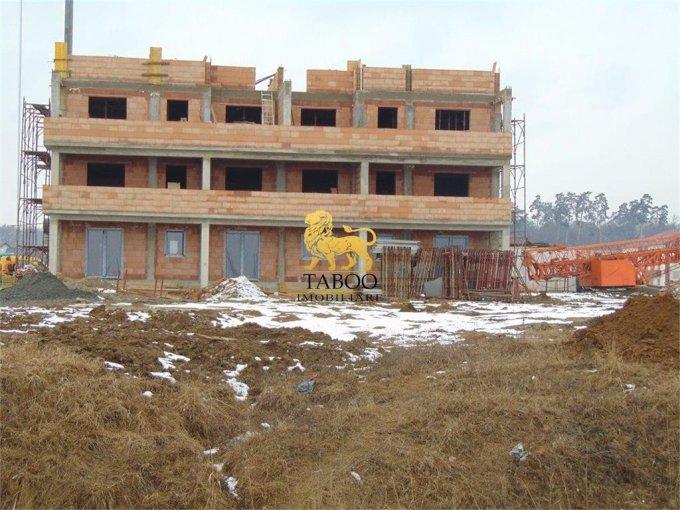 Apartament de vanzare in Sibiu cu 3 camere, cu 1 grup sanitar, suprafata utila 60 mp. Pret: 44.700 euro.