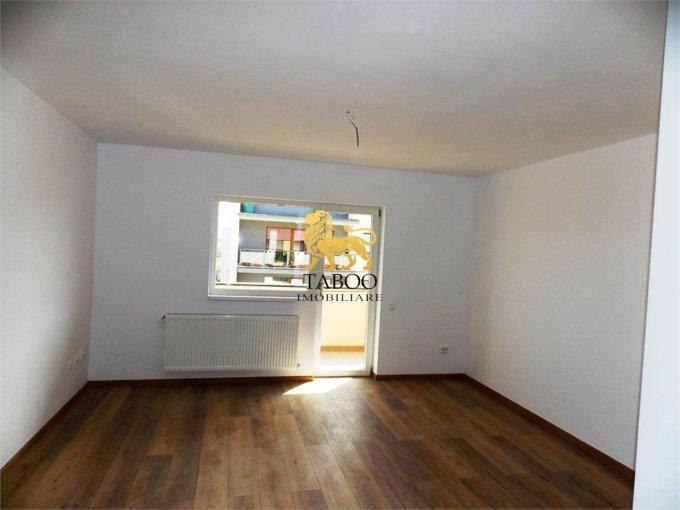 Apartament de vanzare in Sibiu cu 3 camere, cu 2 grupuri sanitare, suprafata utila 78 mp. Pret: 45.000 euro.