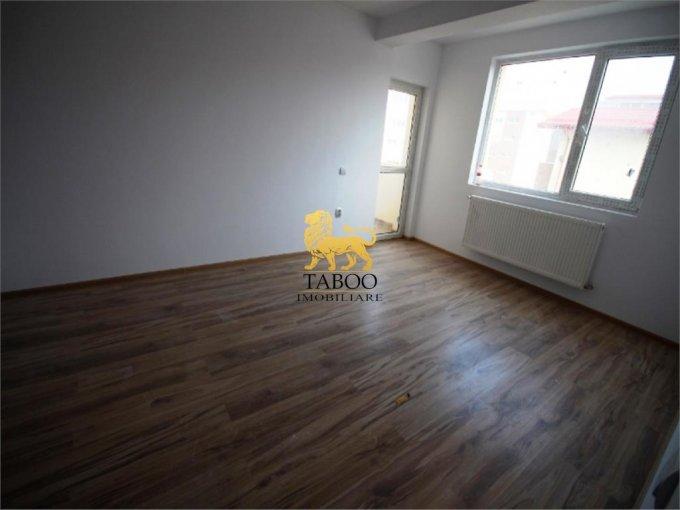 Apartament de vanzare direct de la agentie imobiliara, in Sibiu, in zona Calea Cisnadiei, cu 52.500 euro. 2 grupuri sanitare, suprafata utila 73 mp.