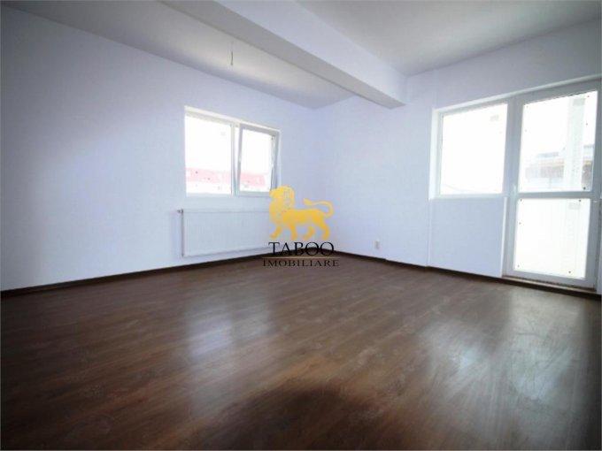 vanzare Apartament Sibiu cu 3 camere, cu 1 grup sanitar, suprafata utila 54 mp. Pret: 34.000 euro.