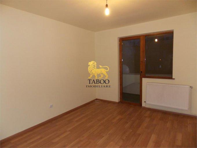 Apartament vanzare Strand cu 3 camere, etajul 1 / 4, 1 grup sanitar, cu suprafata de 46 mp. Sibiu, zona Strand.