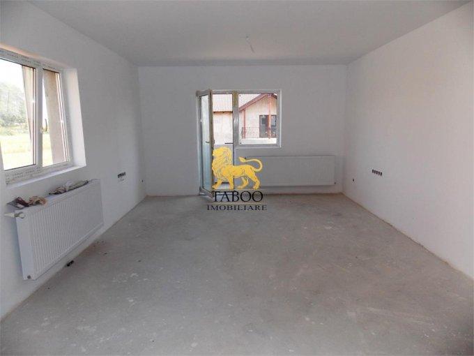 vanzare Apartament Sibiu cu 3 camere, cu 2 grupuri sanitare, suprafata utila 71 mp. Pret: 51.000 euro.