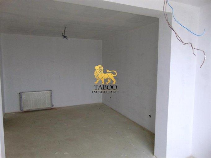 vanzare Apartament Sibiu cu 3 camere, cu 1 grup sanitar, suprafata utila 68 mp. Pret: 54.000 euro.