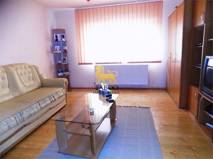 Apartament de vanzare direct de la agentie imobiliara, in Sibiu, in zona Terezian, cu 67.500 euro. 2 grupuri sanitare, suprafata utila 77 mp.