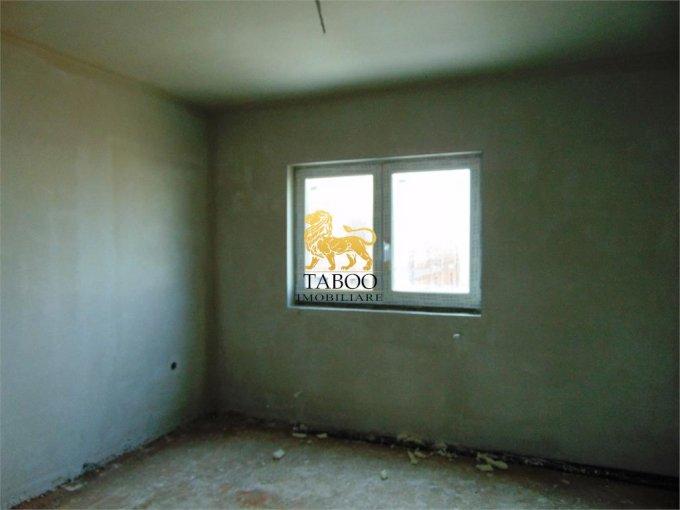 vanzare Apartament Sibiu cu 3 camere, cu 1 grup sanitar, suprafata utila 68 mp. Pret: 52.000 euro.