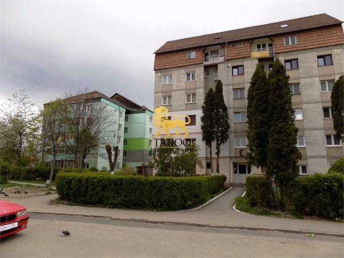 vanzare Apartament Sibiu cu 3 camere, cu 1 grup sanitar, suprafata utila 62 mp. Pret: 35.500 euro.