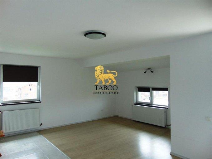inchiriere Apartament Sibiu cu 3 camere, cu 2 grupuri sanitare, suprafata utila 76 mp. Pret: 280 euro.