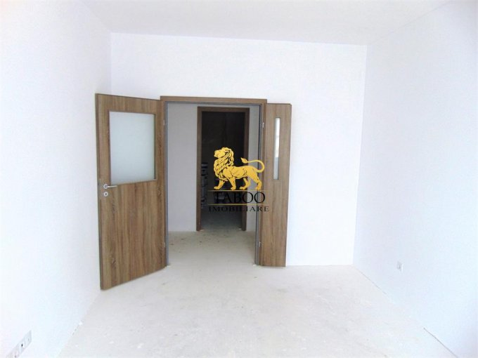 Apartament vanzare Sibiu 3 camere, suprafata utila 71 mp, 2 grupuri sanitare. 52.500 euro. La Parter / 3. Apartament Calea Cisnadiei Sibiu