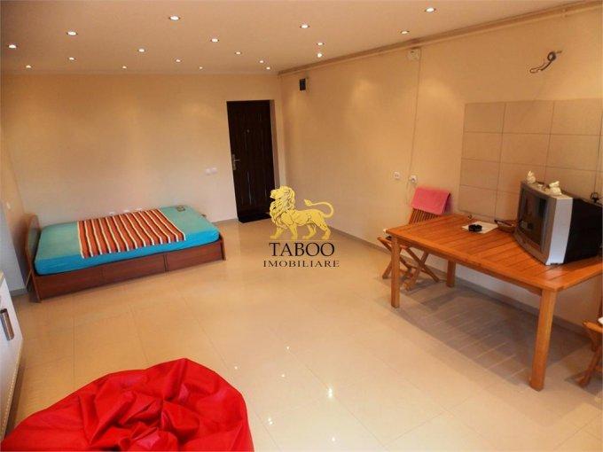 Apartament de vanzare in Sibiu cu 3 camere, cu 1 grup sanitar, suprafata utila 70 mp. Pret: 59.500 euro.