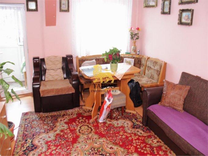 vanzare Apartament Sibiu cu 3 camere, cu 1 grup sanitar, suprafata utila 60 mp. Pret: 37.000 euro.