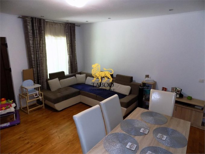 Apartament vanzare Sibiu 3 camere, suprafata utila 65 mp, 2 grupuri sanitare. 95.000 euro. La Parter / 1. Apartament Orasul de Jos Sibiu