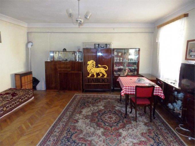 Apartament vanzare Sibiu 3 camere, suprafata utila 120 mp, 2 grupuri sanitare. 83.000 euro. Etajul 1 / 1. Apartament Sibiu