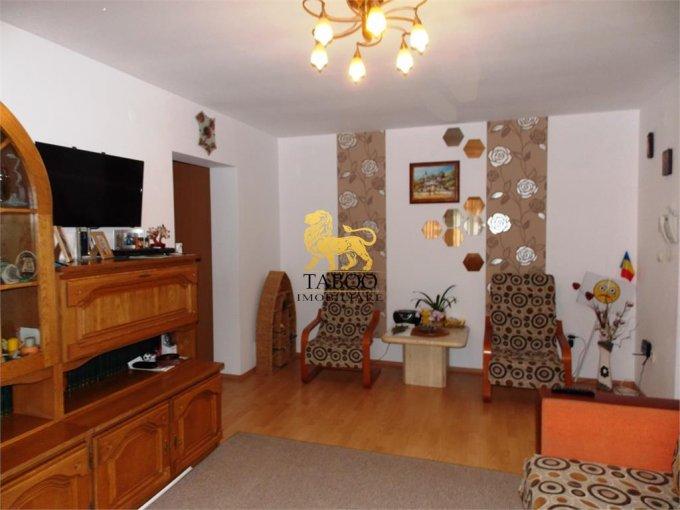 Apartament de vanzare direct de la agentie imobiliara, in Sibiu, in zona Ciresica, cu 60.000 euro. 2 grupuri sanitare, suprafata utila 70 mp.