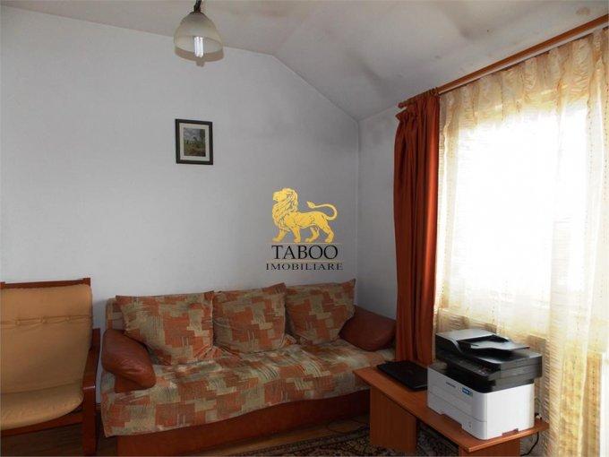 inchiriere Apartament Sibiu cu 3 camere, cu 1 grup sanitar, suprafata utila 60 mp. Pret: 280 euro.
