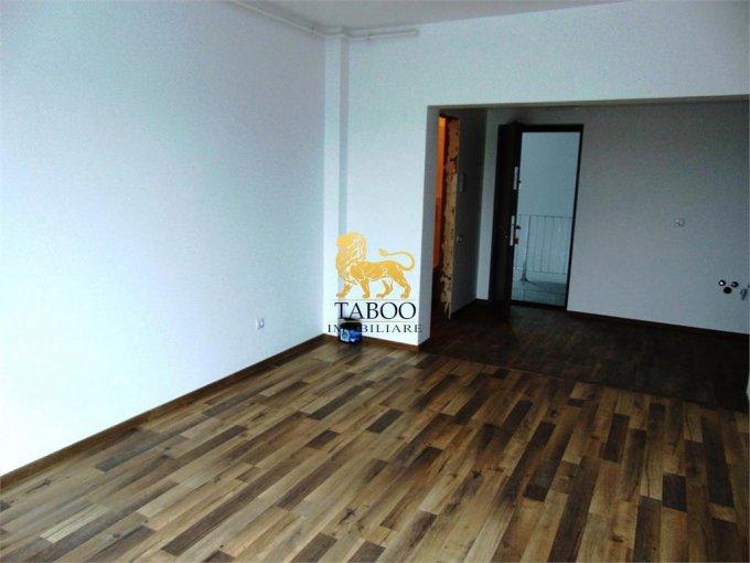vanzare Apartament Sibiu cu 3 camere, cu 1 grup sanitar, suprafata utila 70 mp. Pret: 55.000 euro.