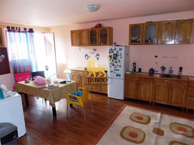 Apartament de vanzare direct de la agentie imobiliara, in Sibiu, in zona Valea Aurie, cu 42.000 euro. 1 grup sanitar, suprafata utila 75 mp.