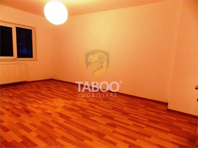 Apartament vanzare Sibiu 3 camere, suprafata utila 56 mp, 1 grup sanitar. 47.250 euro. Etajul 2 / 2. Apartament Calea Cisnadiei Sibiu