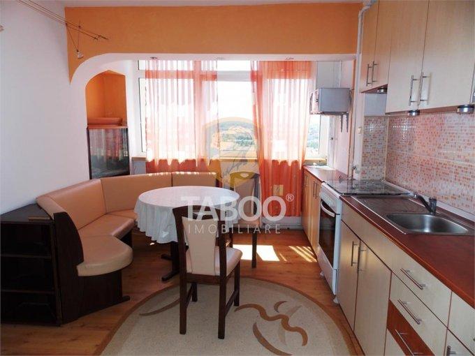 Apartament vanzare Sibiu 3 camere, suprafata utila 75 mp, 1 grup sanitar. 59.500 euro. Etajul 10 / 10. Apartament Vasile Aaron Sibiu