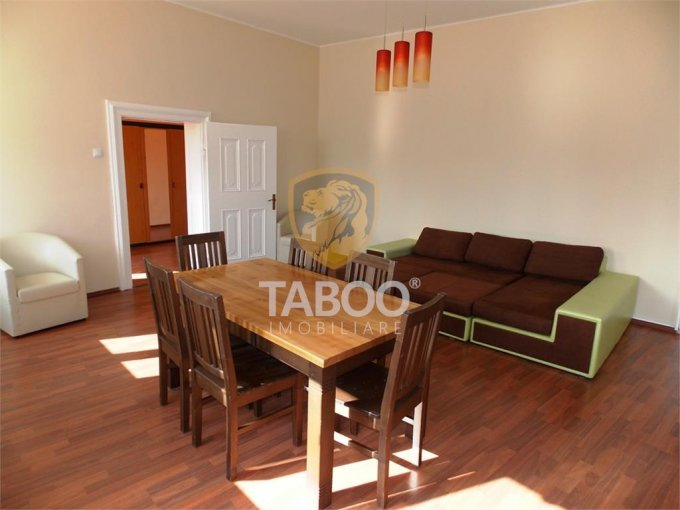 Apartament vanzare Sibiu 3 camere, suprafata utila 94 mp, 1 grup sanitar. 89.900 euro. Etajul 1 / 1. Apartament Sibiu