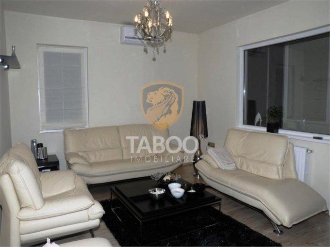Apartament de inchiriat in Sibiu cu 3 camere, cu 2 grupuri sanitare, suprafata utila 90 mp. Pret: 400 euro.